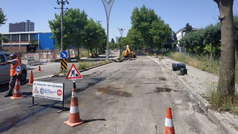 Gebze'deki önemli caddelerde yol onarımı yapıldı
