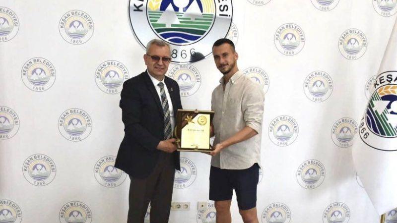 Batuhan Er'e yaşam boyu onur ödülü