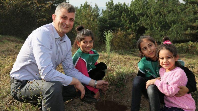 """Başkan Sezer: """"8 binden fazla fidanı toprakla buluşurduk"""""""