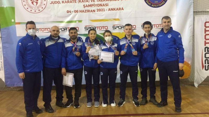 Kağıtspor'un karatecileri engel tanımadı