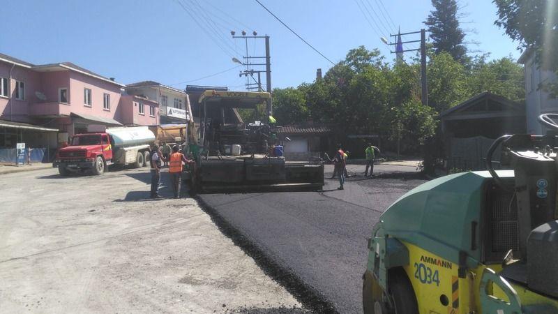 Tepecik Köyü'nde asfalt serimi yapıldı