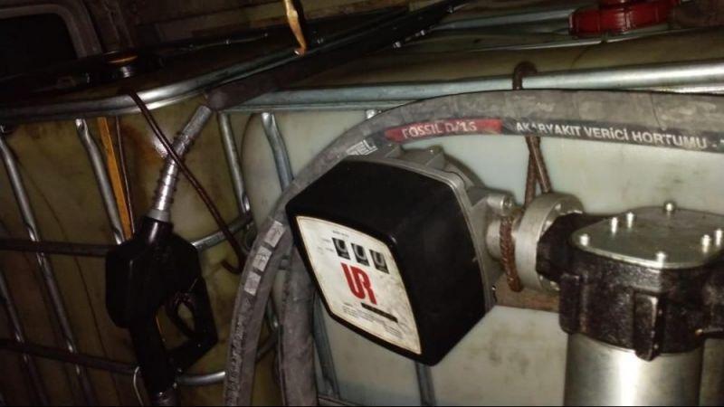 900 litre kaçak akaryakıt ele geçirildi: 2 gözaltı