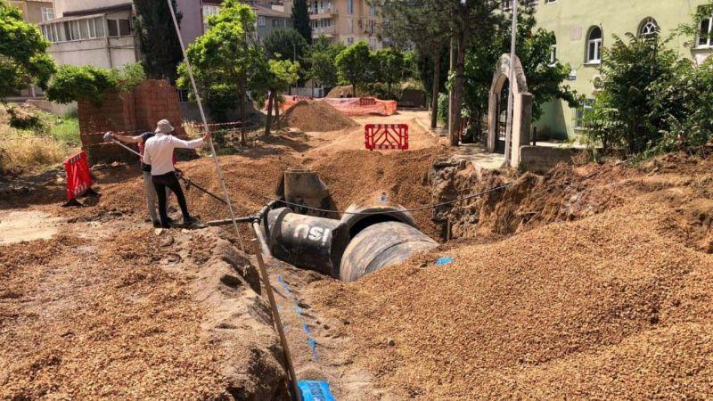 Çayırova Kent Meydanı Projesi'nde altyapı deplaseleri yapılıyor