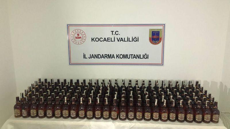 Kocaeli'de sahte bandrollü 190 şişe viski ele geçirildi
