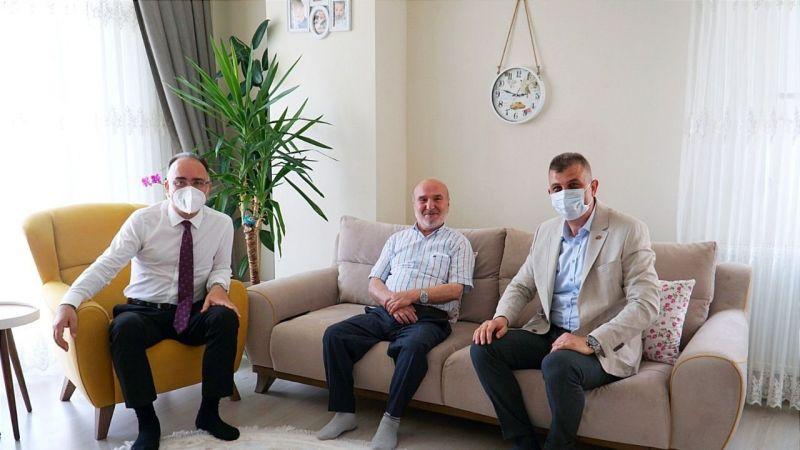 Babalar gününde anlamlı ziyaret