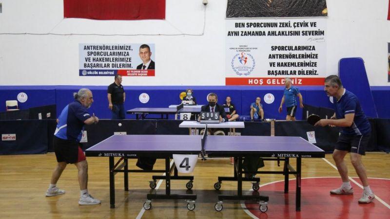 Gölcük'te çekişmeli masa tenisi maçları