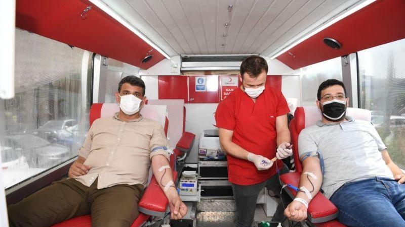 Kartepe, kan bağışında bulundu