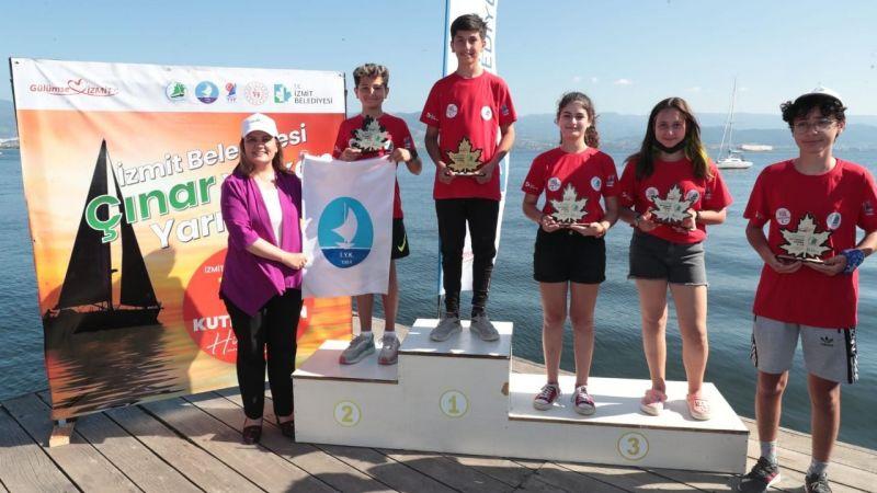 Yelken Yarışlarında sporculara ödülleri verildi