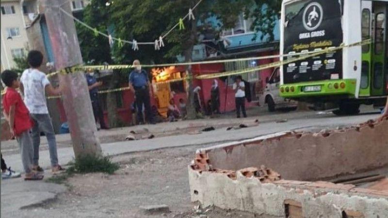 İzmit'te kahreden olay! 3 yaşındaki çocuk halk otobüsünün altında can verdi