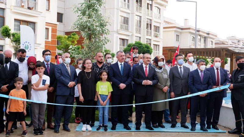 TOKİ, Dilovası'nda 1 milyonuncu konutun anahtarı teslim etti! Cumhurbaşkanı Erdoğan video konferans ile katıldı
