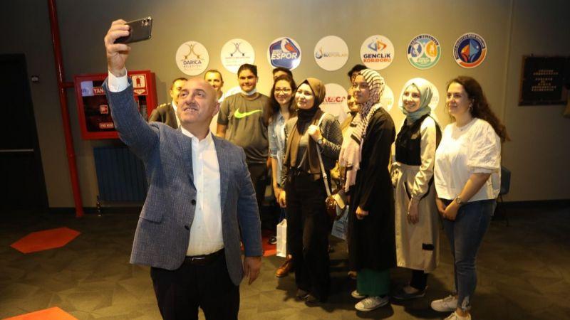 Başkan Bıyık, gençlerle bir araya geldi