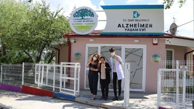 Alzheimer Yaşam Evi'nde faaliyetler sürüyor