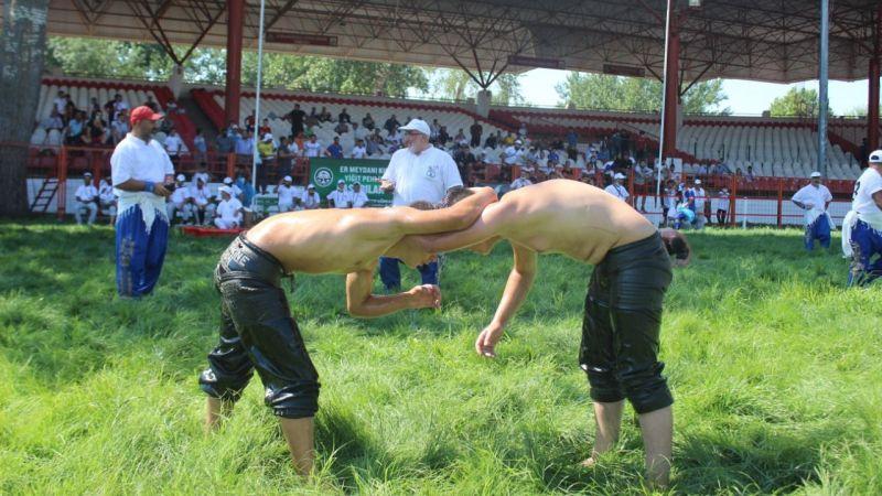 Kırkpınar Güreşleri seyircili düzenleniyor