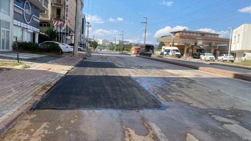 Gebze Terminal ve İbrahim Ağa Caddelerinde yol onarımı