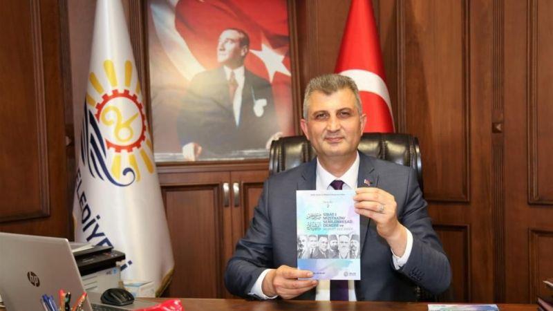 Gölcük Belediyesi, Mehmet Akif Ersoy kitabı yayınladı