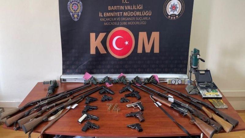 3 ilde eş zamanlı yasa dışı silah operasyonu: 3 tutuklu