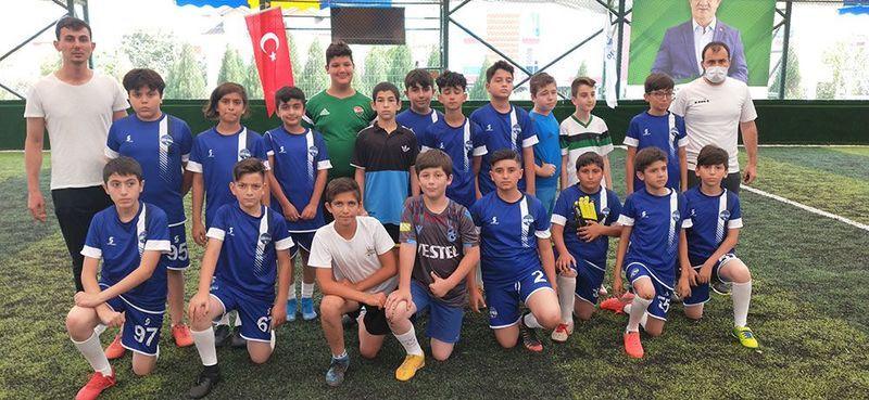 Sırrıpaşa FK futbol okulu start verdi