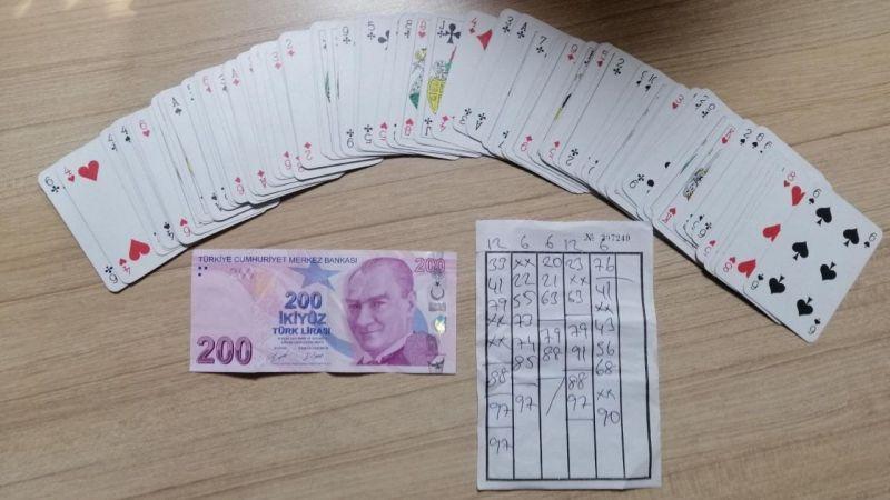 İzmit'te kahvehaneye kumar baskını