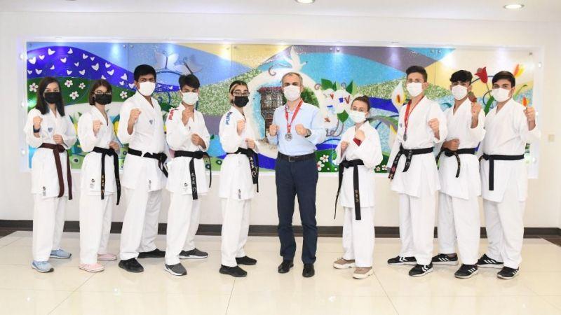 Başkan Çiftçi, başarılı karatecileri ağırladı