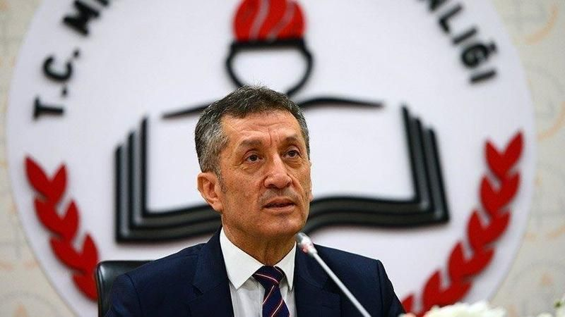 Bakan Selçuk'tan okulların açılış tarihine ilişkin açıklama