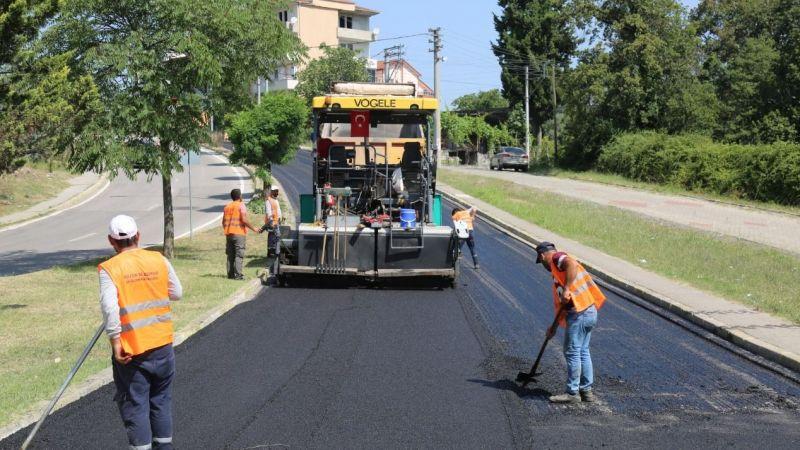 1 Mart Caddesi'nde asfalta başladı