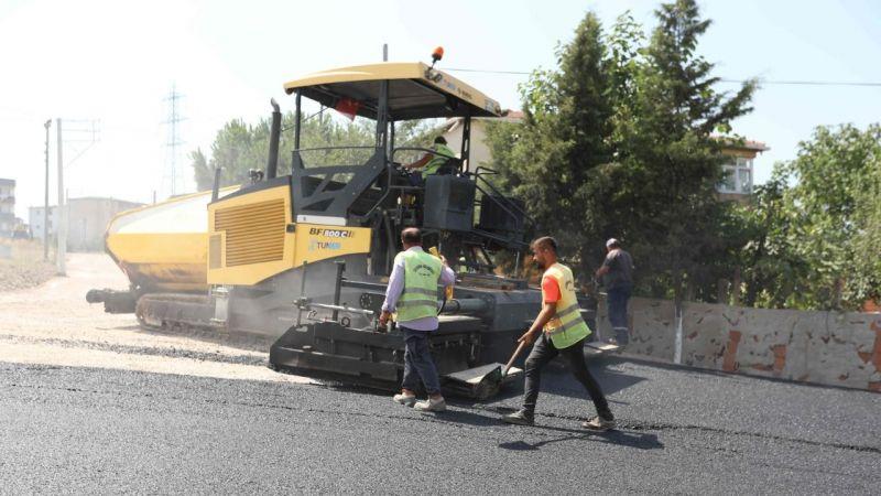 Çayırova'da altyapı ve üstyapı çalışmaları sürüyor