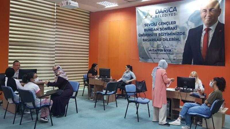 Darıca Belediyesi üniversite öğrencilerinin yanında