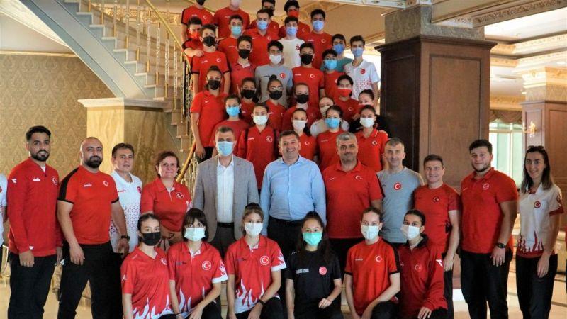 Başkan Sezer Karate Milli Takımı'na başarılar diledi