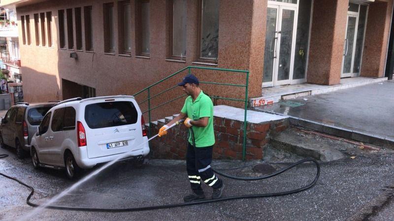 Sokaklar yıkanıyor