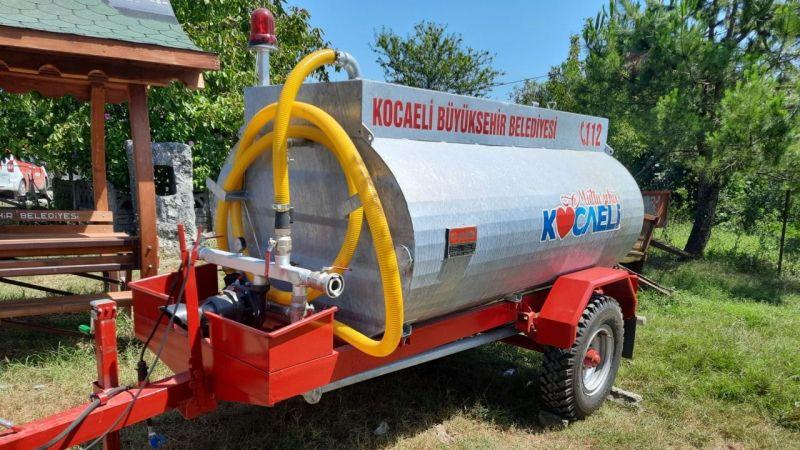 Büyükşehir'den kırsal mahallelere su tankeri desteği