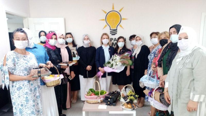 Kadın üreticilerden Zeybek'e ziyaret