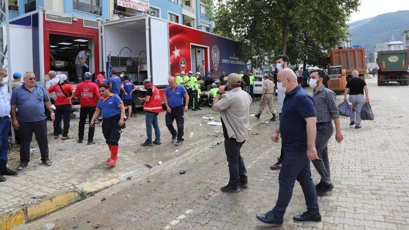 Darıca'dan deprem bölgesine yardım eli uzandı
