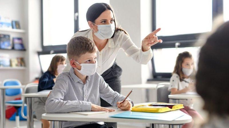 'Okullar açılmalı': Çocuklarda bulaş riski yüzde 47 daha az