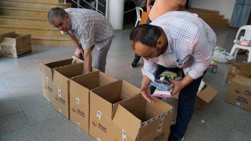 Gölcük'te sel felaketi mağdurları için düzenlenen yardım kampanyası sürüyor