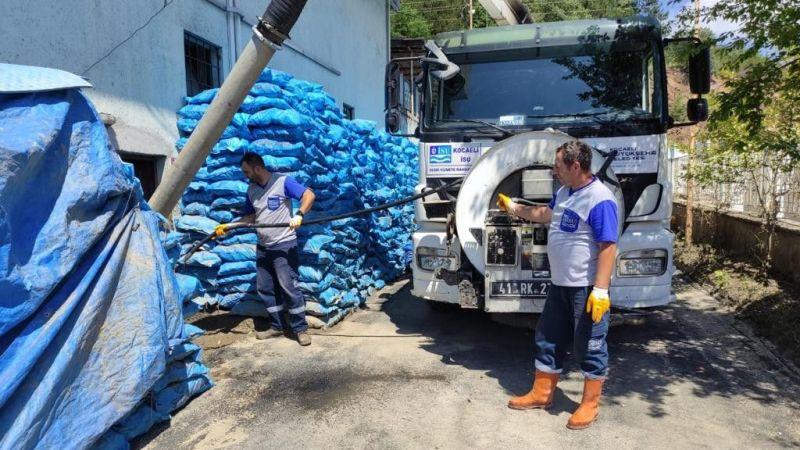 Büyükşehir ekipleri, sel bölgesinde yaralara merhem oluyor