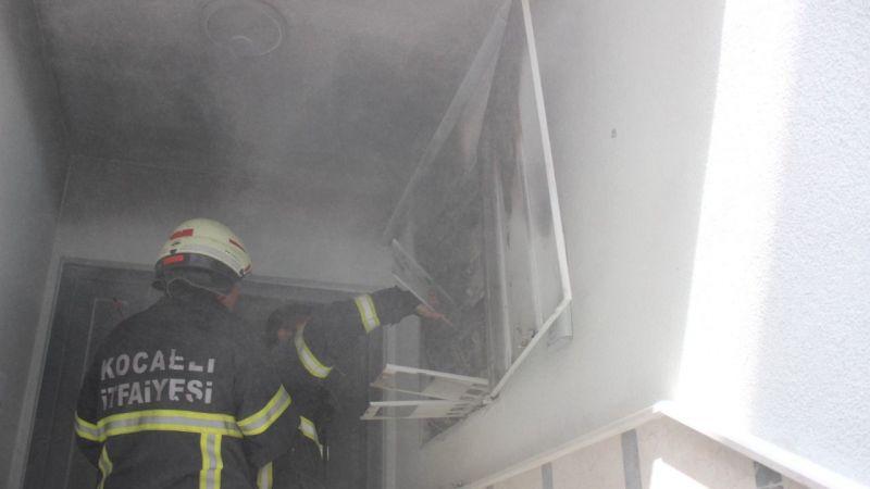 Binanın panosu yandı, 7 daire elektriksiz kaldı