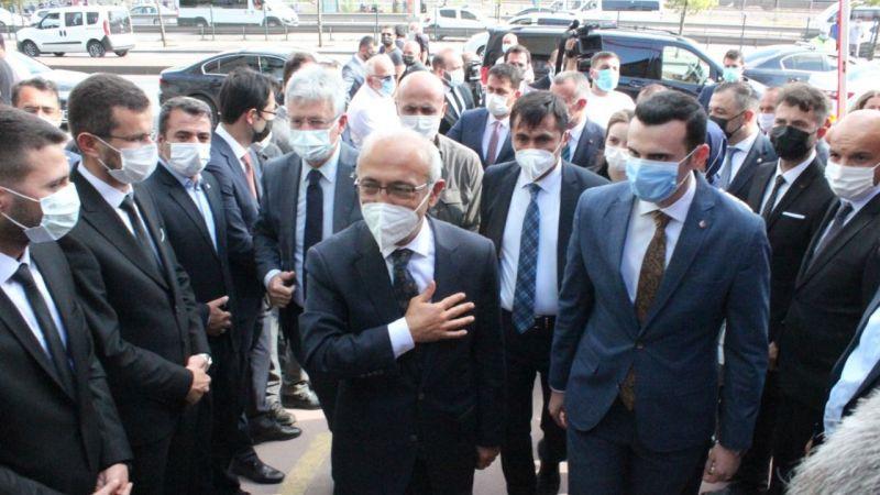 Bakan Elvan MHP'yi ziyaret etti