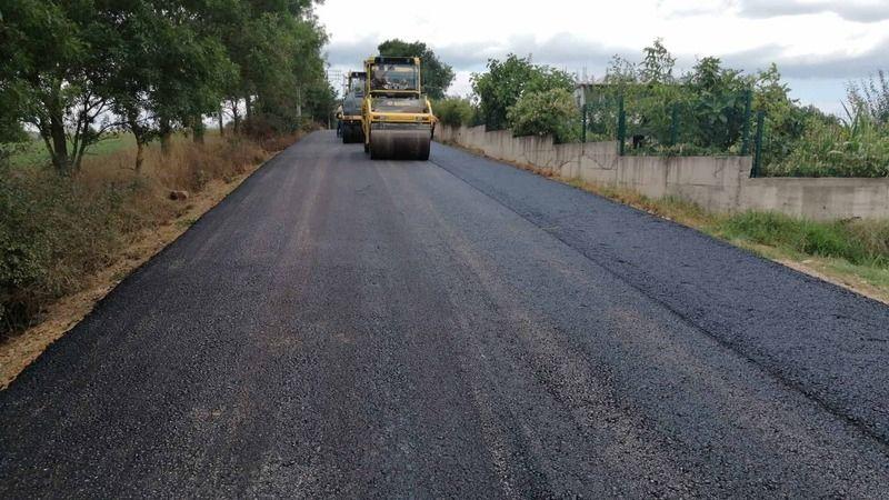 Vatandaş istedi, Büyükakın talimat verdi: 1,5 kilometrelik yol asfaltlandı