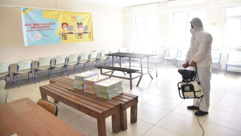 Kartepe'de okullara temizlik desteği