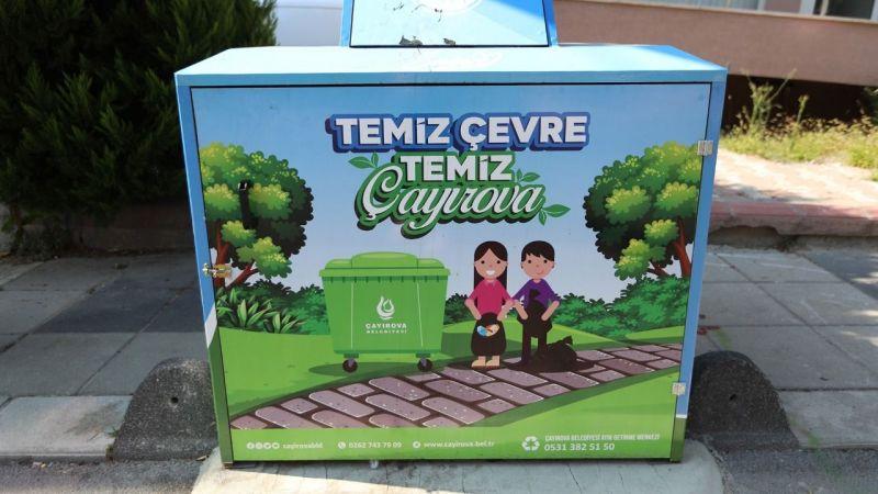 Çayırova'da çöp konteynerleri koruganla kaplandı