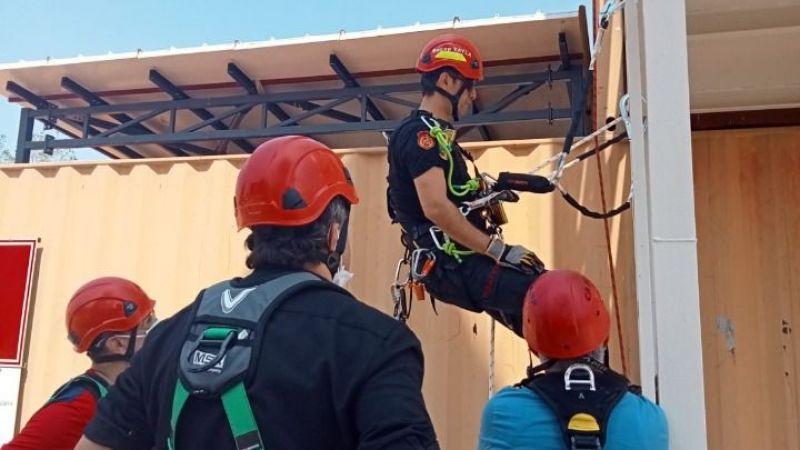 Büyükşehir personeline 'yüksekte güvenli çalışma' eğitimi