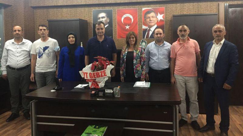 EYT'lilerden Çakır'a 'hayırlı olsun' ziyareti