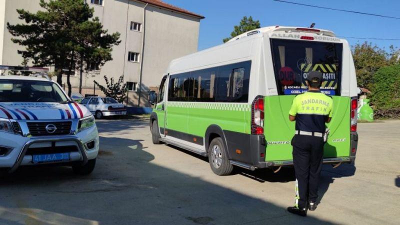 Jandarmadan sıkı denetim: 12 servis trafikten men edildi!
