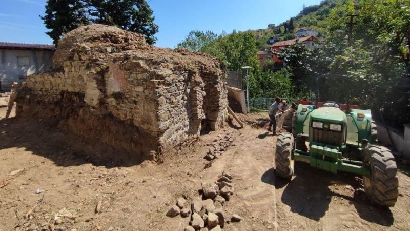 Osmanlı döneminden kalma tarihî hamamın restorasyonu başladı