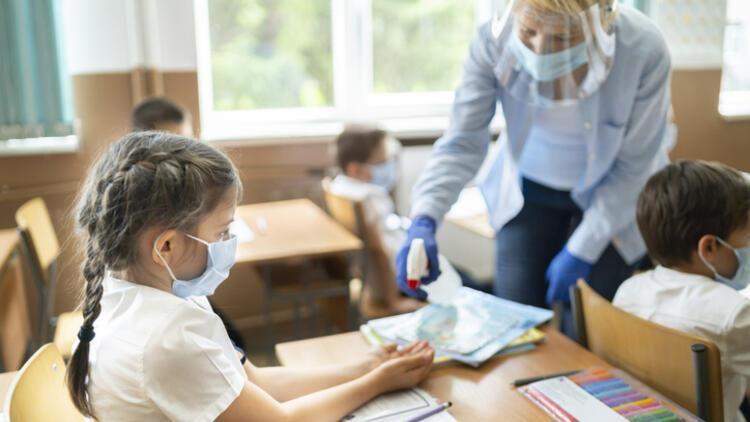 Bakan Koca açıkladı: Okullarda PCR testi dönemi başlıyor!