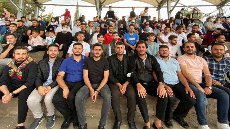 AK Partili gençler Yörük Şenlikleri'nde