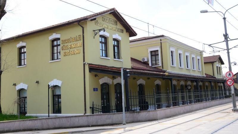Tarihi Gar Binası sergi sezonuna hazır
