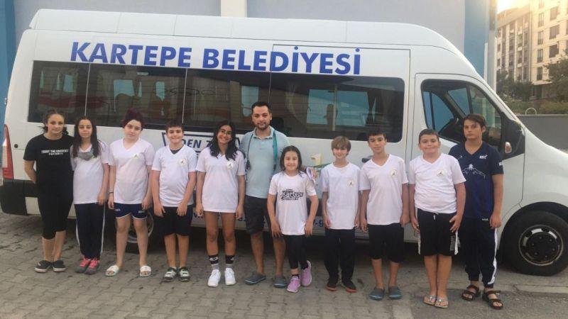 Kartepe'nin yüzücüleri Türkiye şampiyonasına katılmaya hak kazandı