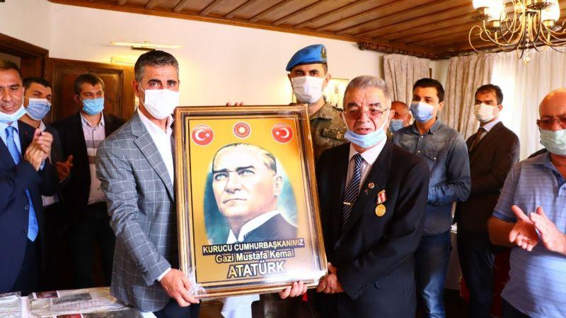 Kandıra'da 71. Uluslararası Şehit ve Devlet Büyükleri Emanetleri Sergisi açıldı