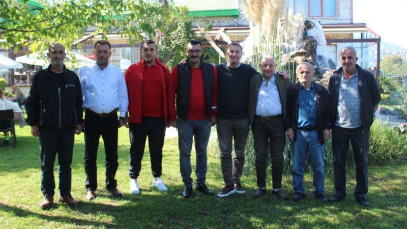 """İskenderoğlu: """"Kartepe'nin çatısı CHP olacak"""""""